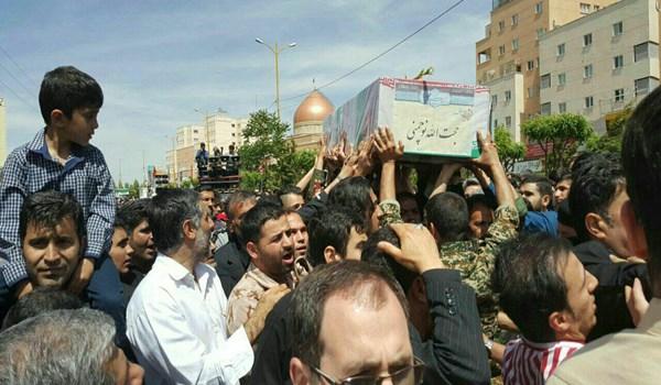 بی نظیر مردم از تشییع شهید مدافع حرم 1