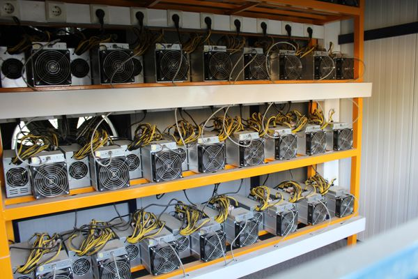 کشف ۱۴ دستگاه ماینر قاچاق در گنبدکاووس