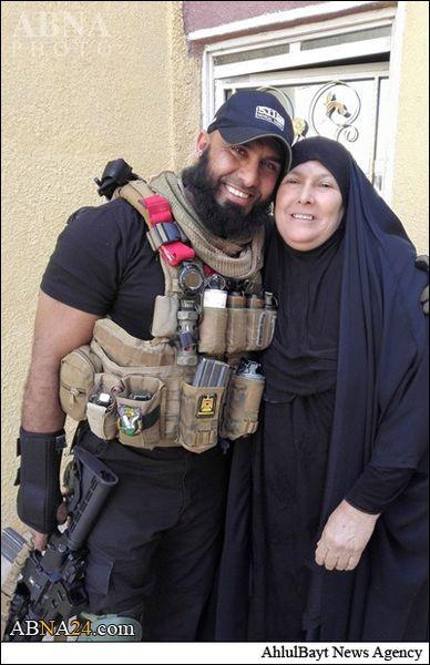 عکس/ ابوعزرائیل به دیدار مادر رفت