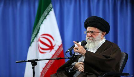 سخنرانی تصویری امام خامنه ای مدظله العالی به مناسبت هفته دفاع مقدس