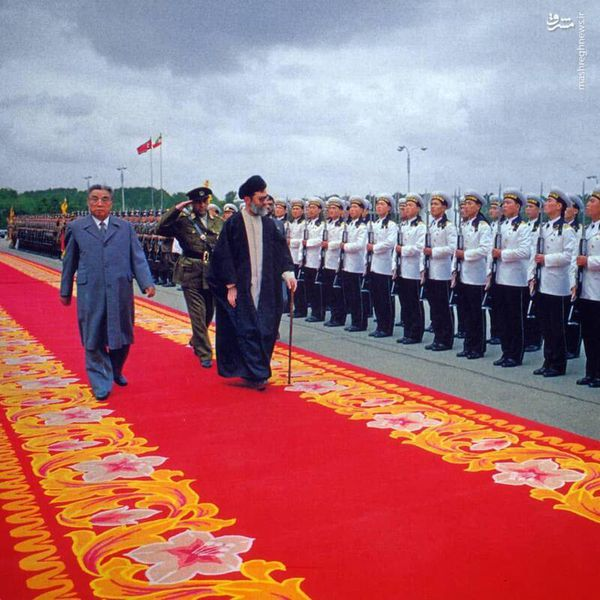 تصویری منتشرنشده از رهبر معظم انقلاب و رهبر سابق کرهشمالی