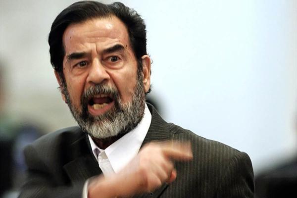 عکس/ صدام در حرم مطهر رضوی
