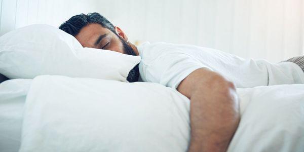 چرا هرگز نباید به شکم و پهلوی راست بخوابیم؟