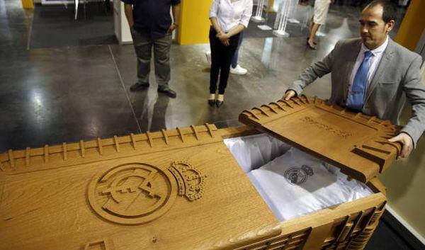 تابوت مخصوص هواداران رئال ساخته شد! +عکس