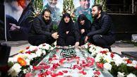 ۴ فرزند سردار سلیمانی بر سر مزار پدر + عکس