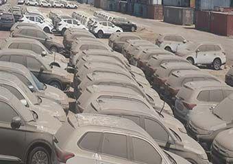عقبنشینی ۴ ماهه در ترخیص خودروهای وارداتی در گمرک مانده/ تیر واردکنندگان به سنگ خورد + سند