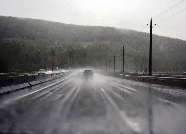 جادههای گلستان لغزنده است