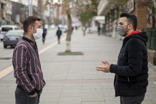 تولید ماسک پارچهای که با نور خورشید ضدعفونی میشود