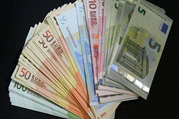 نرخ رسمی یورو و پوند افزایش یافت / کاهش قیمت ۱۴ ارز ملی