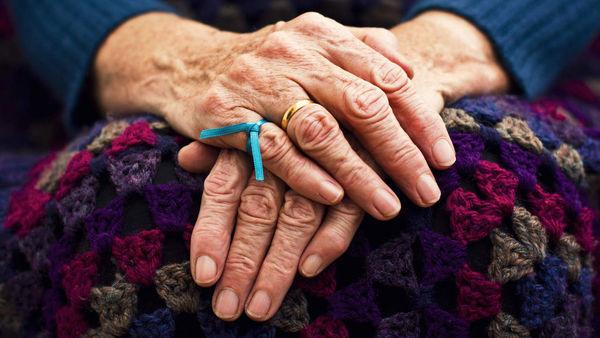 آلزایمر با این نشانه ها شروع می شود