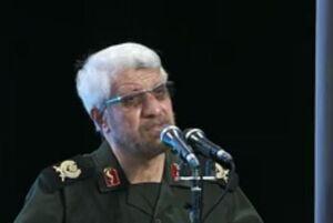 فیلم/ مداحی صادق آهنگران در مراسم هفته دفاع مقدس