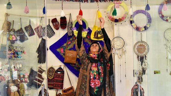 بررسی واگذاری 14 غرفه بازارچه دائمی به زنان سرپرست خانوار