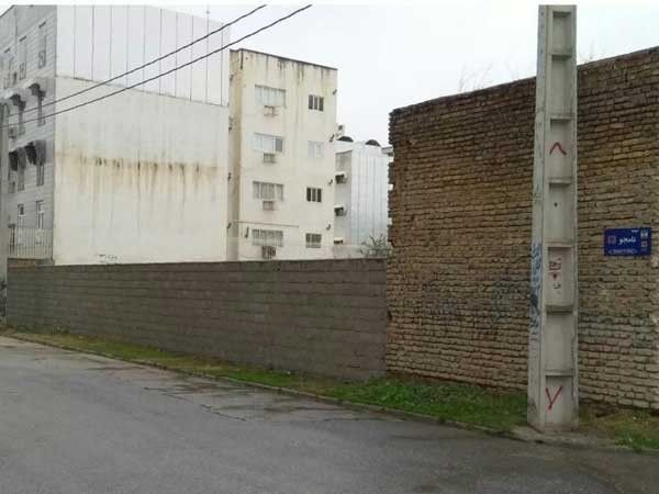 دیوارکشی زمین خالی در بافت شهری گنبد