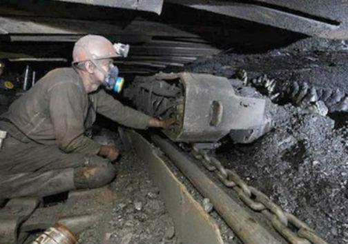 مشکلات معدن ذغال سنگ تخت مینودشت مورد بررسی قرار گرفت