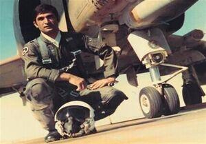 خلبان احمدبیگی به همرزمان شهیدش پیوست