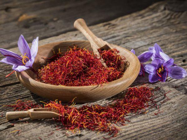 هشدار نسبت به قاچاق زعفران/قیمت زعفران به ۱۱ میلیون و ۵۰۰ هزار تومان رسید