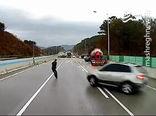 فیلم/ ماراتن تصادف در جاده یخ زده!