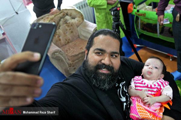 دانلود/ لحظه دیدار رضا صادقی با فرزند خواندهاش