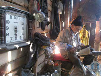 کاسبی پیرمرد گرگانی در مغازه ای چوبی با قدمت 120 ساله ! + تصاویر