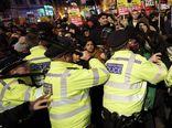 فیلم/ وحشیگری پلیس انگلیس با معترضان