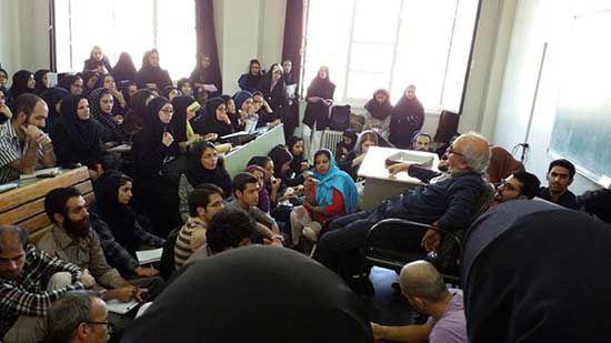عکس/کلاس درس عجیب استاد شفیعی کدکنی