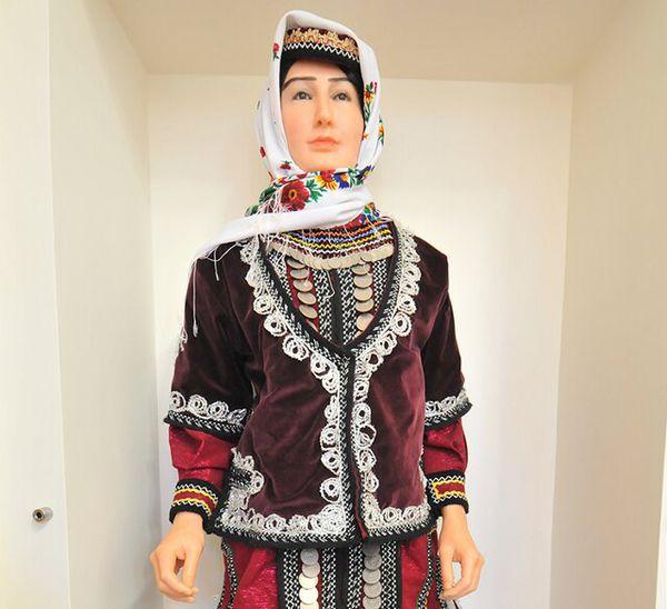 آشنایی با پوشاک سنتی زنان قوم کتول، دنیایی از زیبایی