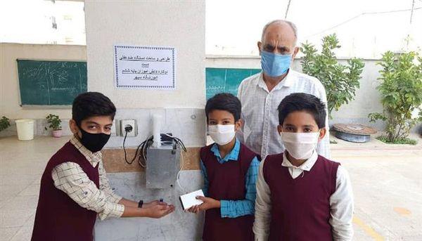 ساخت دستگاه برقی ضدعفونی کننده دست توسط دانش آموزان مینودشتی