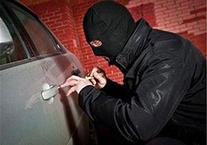 سارق سابقه دار محتویات خودرو در دام قانون