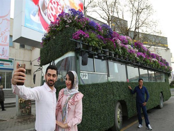 استقبال مسافران از المان های نوروزی در گرگان