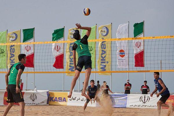 گلستانیها سکوی قهرمانی تور والیبال ساحلی بوشهر را تسخیر کردند