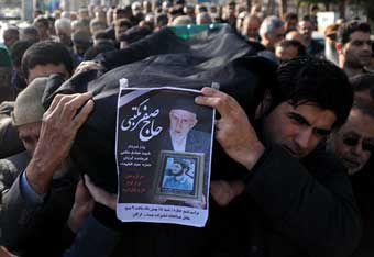 پیکر پدر سردار شهید صادق مکتبی در امامزاده عبدالله گرگان آرام گرفت
