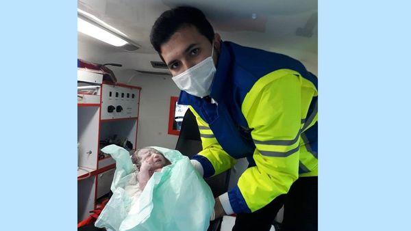 تولد نوزاد عجول گلستانی در آمبولانس اورژانس