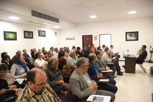 جلسه توجیهی آموزشی ساماندهی تورهای غیرمجاز در استان برگزار شد