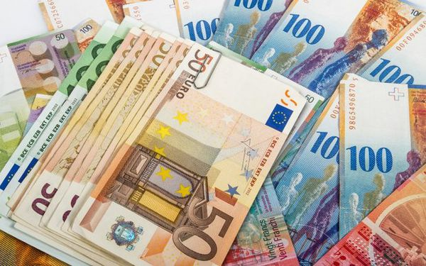 کاهش نرخ ۲۸ ارز/ اُفت ۱۳ تومانی قیمت یورو