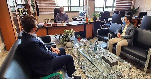 نشست صمیمی نمایندگان مجلس دانش آموزی با مدیرکل آموزش و پرورش