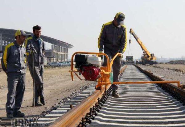 اجرای طرح ریل گذاری راه آهن اینچه برون- شاهرود