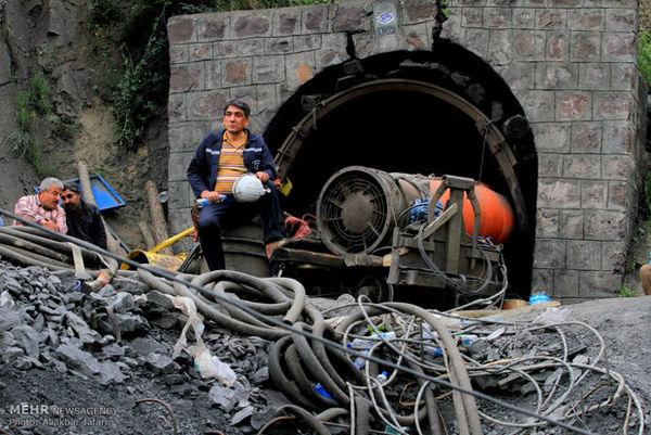 رئیس سازمان مدیریت بحران وارد محل حادثه معدن آزادشهر شد