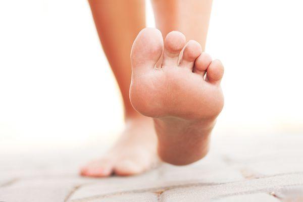 تغییر رنگ پاها چه دلایلی دارد؟