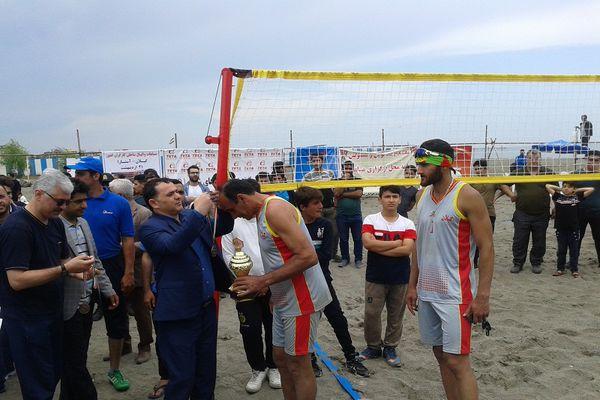گلستان قهرمان والیبال ساحلی کارگران کشور شد