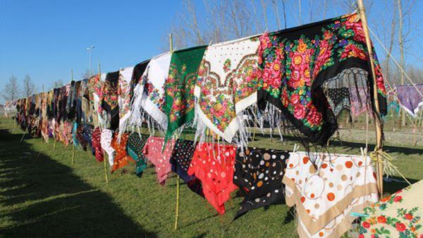 رنگین کمان نقشها در دل روسریهای ترکمن/ تولید ماهانه ۲۲۶ هزار قواره روسری در گنبد کاووس