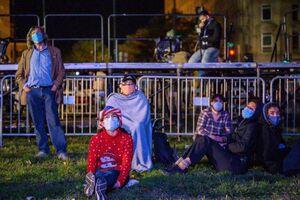 فیلم/ تجمع هواداران بایدن مقابل کاخ سفید