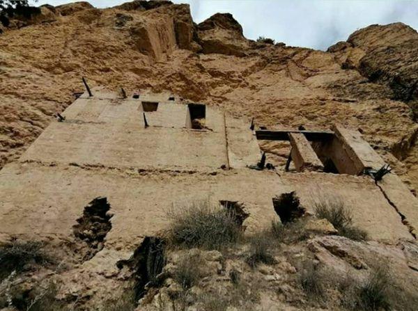ساختمان تاریخی تِشِر روستای رادکان در حال تخریب/ مسوولان میراث فرهنگی در خواب!!