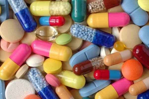 فیلم/ بدون مجوز مطب بزنید و پول درآورید!/ نظارت بر بازار دارو با قوانین 60 سال پیش