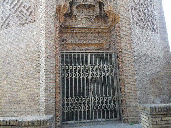 درب تاریخی امامزاده نور گرگان مرمت می شود