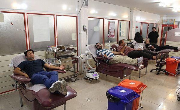 رشد 39/5 درصدی بانوان در اهدا خون /مراکز خون گیری طبق ساعات مقررر در  سطح استان فعال هستند