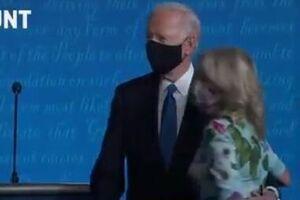 فیلم/نحوه برخورد بایدن و ترامپ با همسران خود بعد از مناظره
