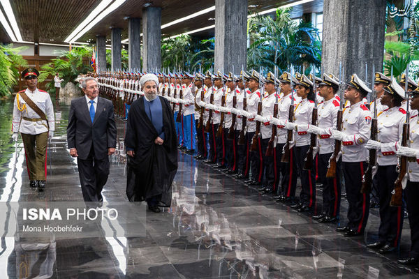 عکس/ زنان گارد تشریفات کوبا در مراسم استقبال از روحانی