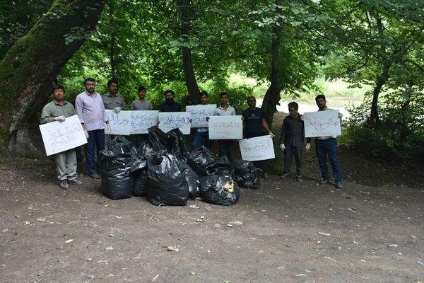 ترویج فرهنگ کرامت با پاکسازی جنگل های گلستان توسط کانون های مساجد گرگان