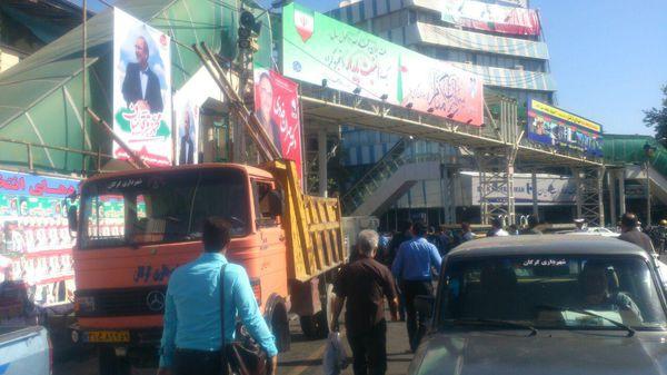 تصاویر/ باز کردن بنر های انتخاباتی توسط شهرداری گرگان