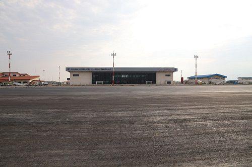 آغاز عملیات آسفالت پروژه توسعه اپرون فرودگاه گرگان